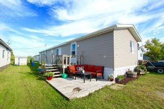Photo 1: 7 Woodlands Trailer Court Road: Woodlands Residential for sale (R12)  : MLS®# 202108639