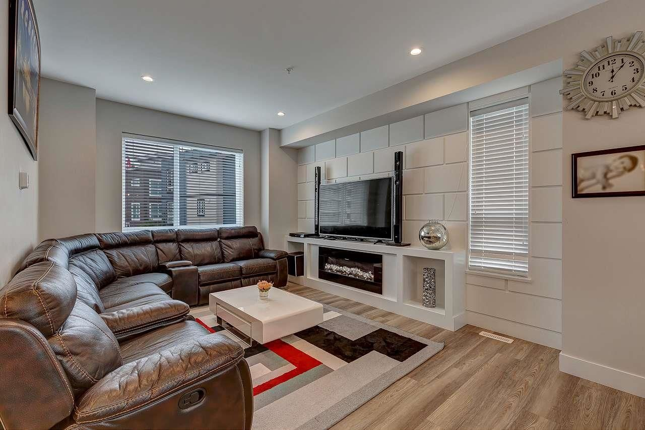 Main Photo: 37 5515 199A Street in Langley: Langley City Townhouse for sale : MLS®# R2600209