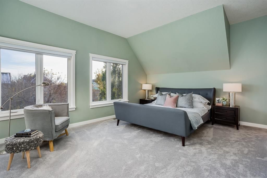 Photo 19: Photos: 219 Somme Manor SW in Calgary: Garrison Woods Detached for sale : MLS®# A1041747