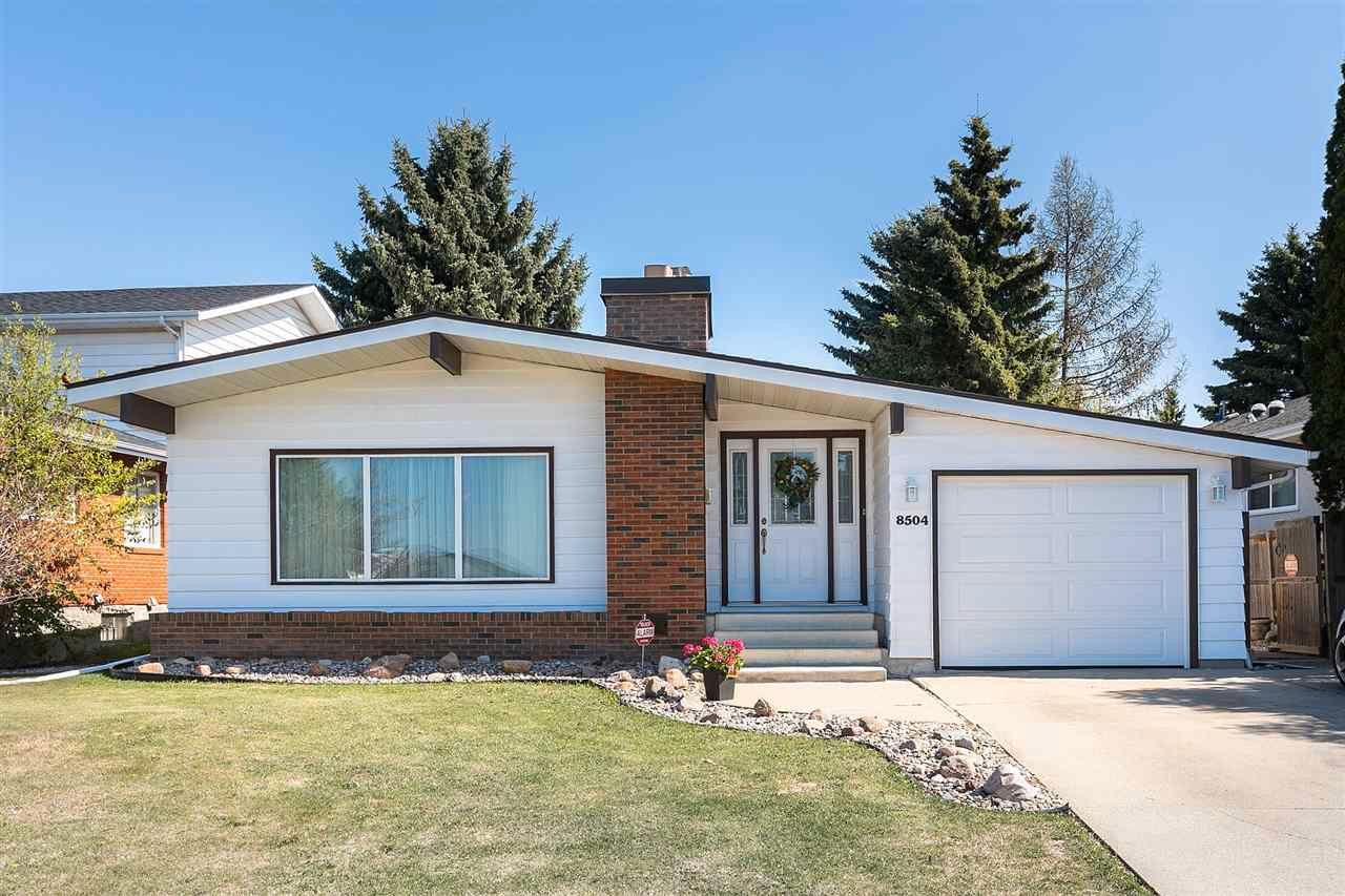 Main Photo: 8504 10 Avenue in Edmonton: Zone 29 House for sale : MLS®# E4243493