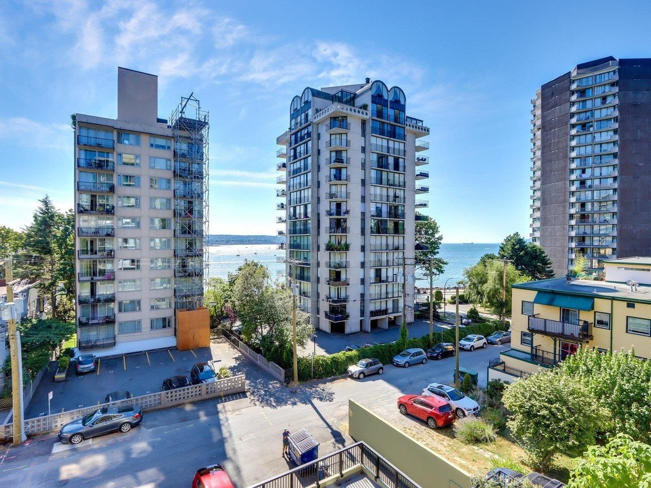 """Main Photo: 404 1534 HARWOOD Street in Vancouver: West End VW Condo for sale in """"St Pierre"""" (Vancouver West)  : MLS®# R2609821"""