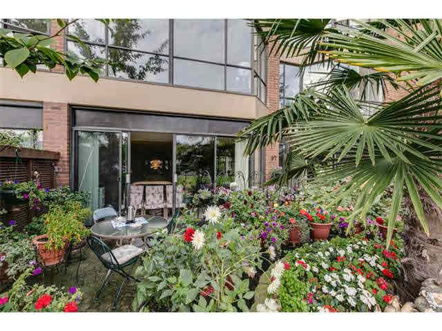 """Photo 16: Photos: G02 1470 PENNYFARTHING Drive in Vancouver: False Creek Condo for sale in """"Harbour Cove"""" (Vancouver West)  : MLS®# V1081390"""