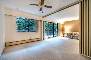 """Photo 5: 204 1360 MARTIN Street: White Rock Condo for sale in """"WEST WINDS"""" (South Surrey White Rock)  : MLS®# R2429363"""