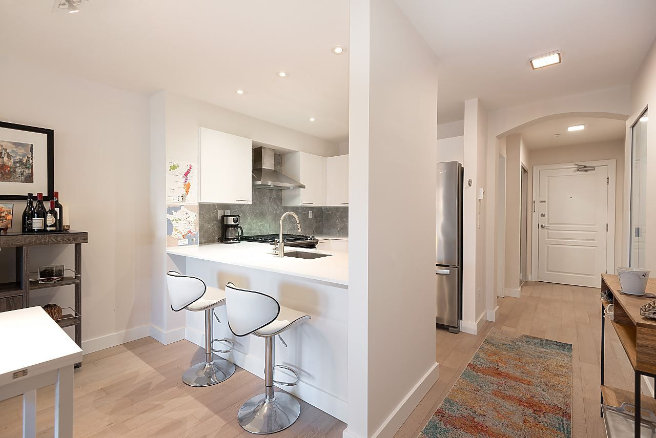 """Photo 7: Photos: 310 5723 COLLINGWOOD Street in Vancouver: Southlands Condo for sale in """"The Chelsea"""" (Vancouver West)  : MLS®# R2521366"""
