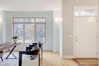 Photo 4: 254 21 Avenue NE in Calgary: Tuxedo Park Semi Detached for sale : MLS®# C4275757