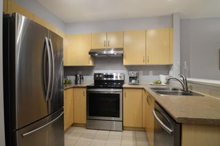 """Photo 22: 212 147 E 1ST Street in North Vancouver: Lower Lonsdale Condo for sale in """"The Coronado"""" : MLS®# R2136630"""