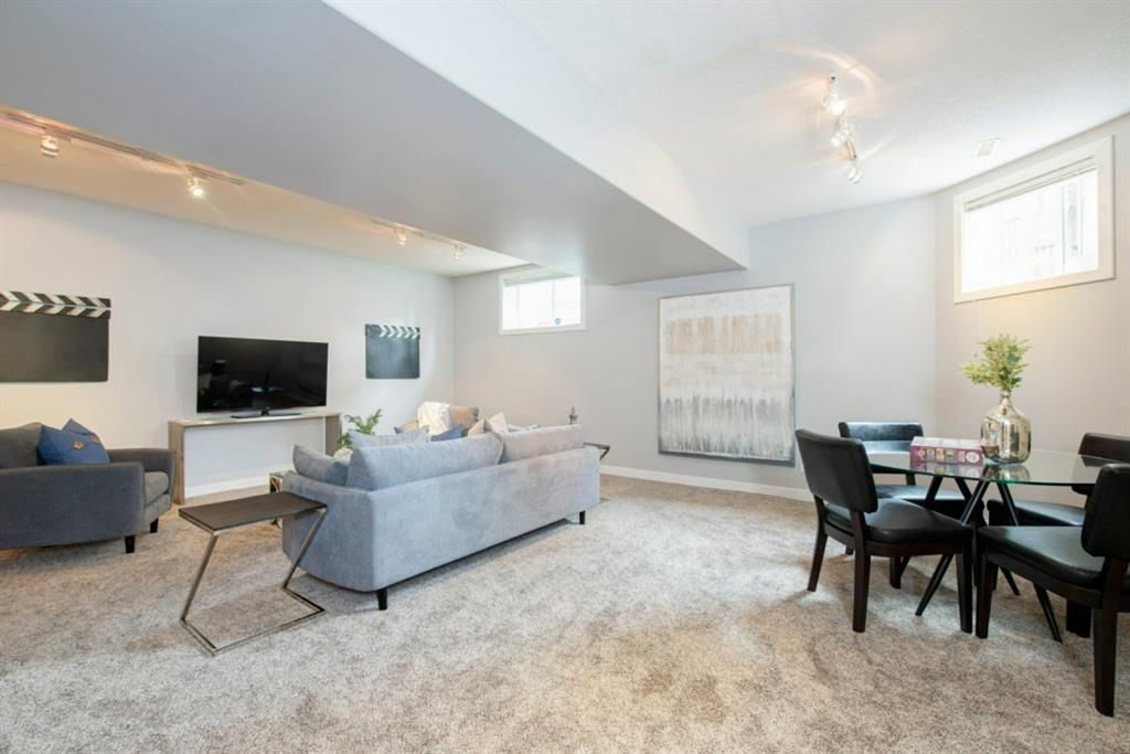 Photo 33: Photos: 32 Prominence Park SW in Calgary: Patterson Row/Townhouse for sale : MLS®# A1112438