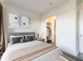 """Photo 21: 506 181 W 1ST Avenue in Vancouver: False Creek Condo for sale in """"Brook - The Village on False Creek"""" (Vancouver West)  : MLS®# R2528507"""