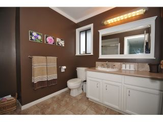 """Photo 17: 10351 HOGARTH Place in Richmond: Woodwards House for sale in """"WOODWARDS"""" : MLS®# V881151"""