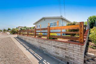 Photo 3: LA MESA House for sale : 3 bedrooms : 7975 Rainey St