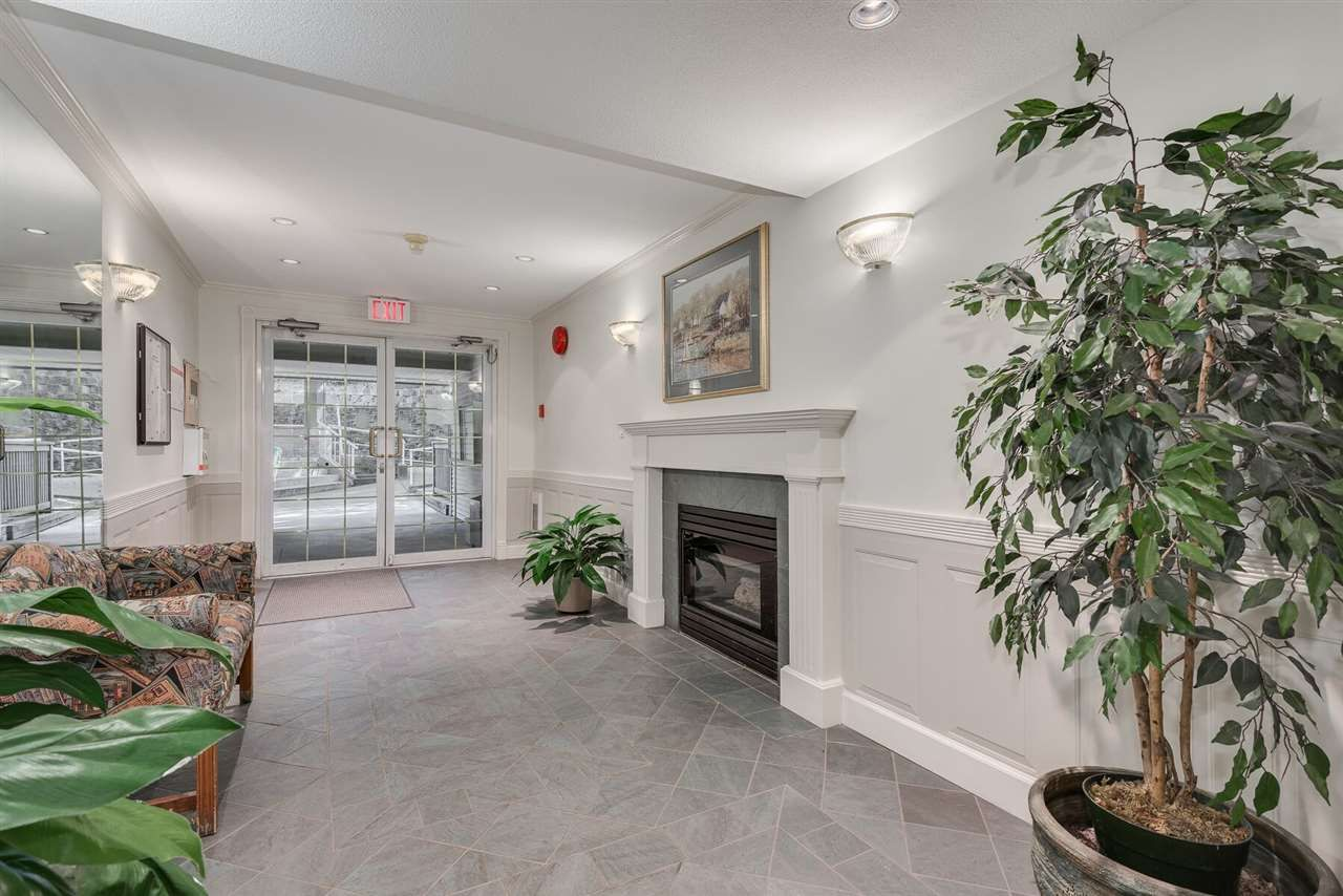 """Photo 3: Photos: 108 3733 NORFOLK Street in Burnaby: Central BN Condo for sale in """"Winchelsea"""" (Burnaby North)  : MLS®# R2400393"""