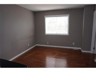 Photo 12: 25 MARTIN CROSSING Green NE in Calgary: Martindale House for sale : MLS®# C4017520