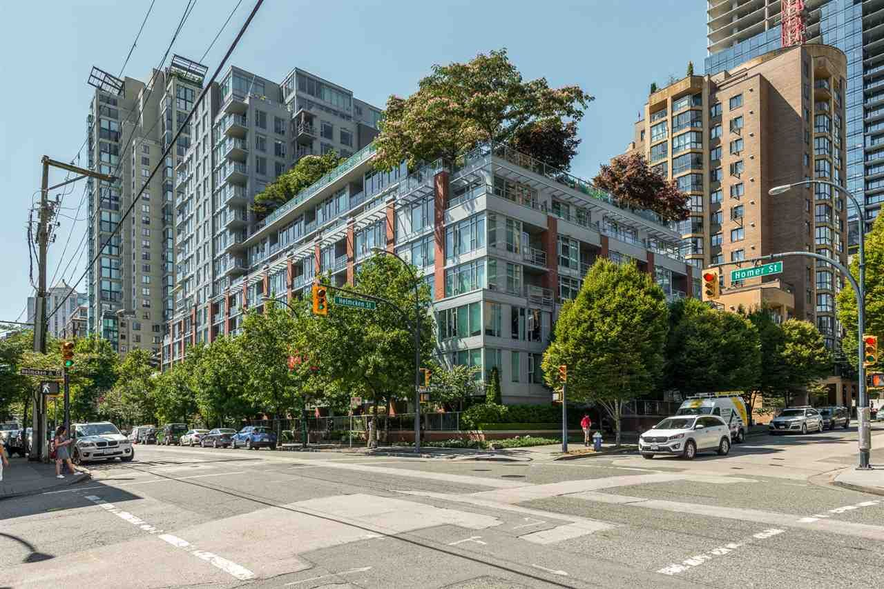 "Main Photo: 517 1133 HOMER Street in Vancouver: Yaletown Condo for sale in ""H & H"" (Vancouver West)  : MLS®# R2484274"