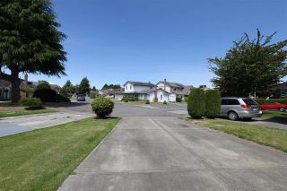 Photo 22: 10821 HOLLYMOUNT Drive in Richmond: Steveston North House for sale : MLS®# R2590985