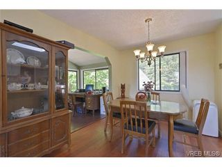 Photo 2: 905 Gade Rd in VICTORIA: La Florence Lake House for sale (Langford)  : MLS®# 685302