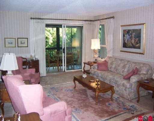 """Photo 3: Photos: 204 1480 VIDAL ST: White Rock Condo for sale in """"The Wellington"""" (South Surrey White Rock)  : MLS®# F2517276"""