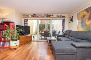 Photo 8: 102 156 St. Lawrence St in : Vi James Bay Row/Townhouse for sale (Victoria)  : MLS®# 884990