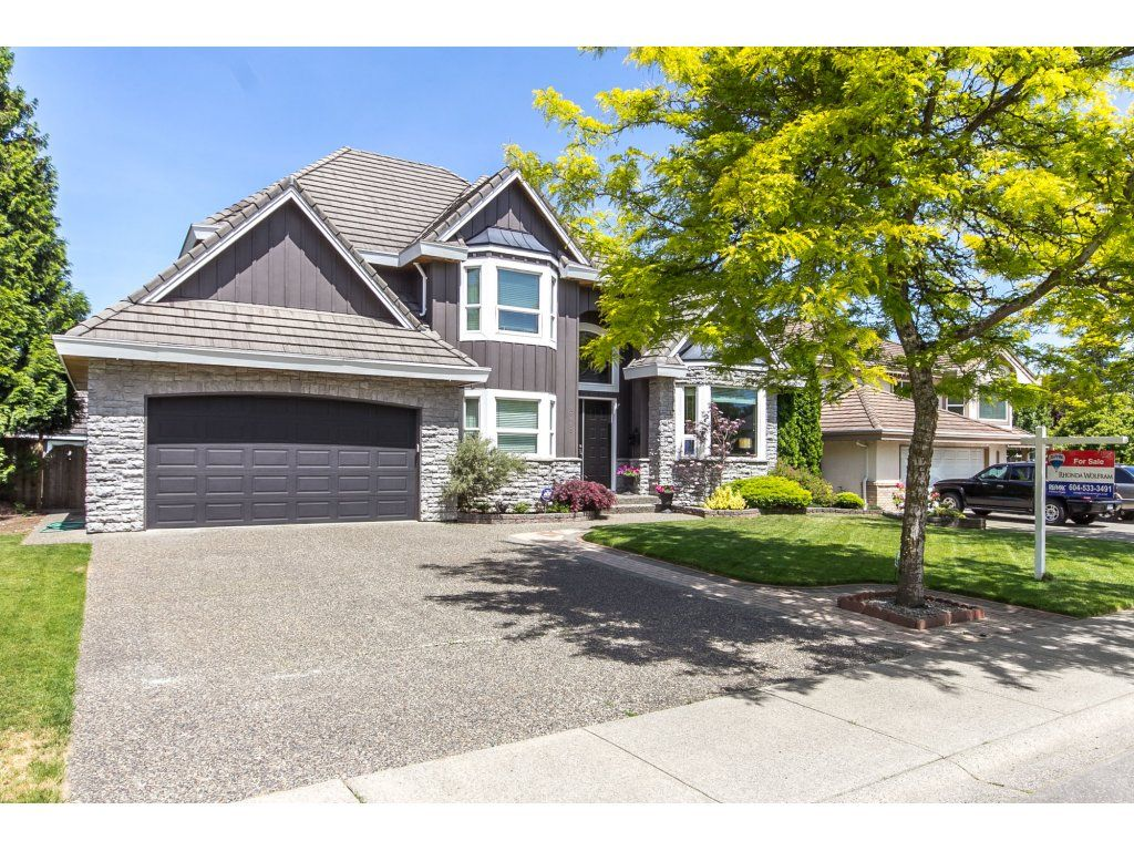 "Photo 3: Photos: 21113 44A Avenue in Langley: Brookswood Langley House for sale in ""CEDAR RIDGE"" : MLS®# R2173937"