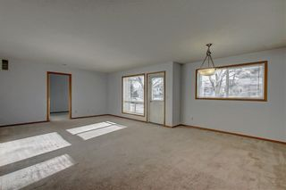 Photo 11: 6807 Pinecliff Grove NE in Calgary: Pineridge Row/Townhouse for sale : MLS®# A1121395