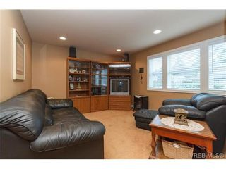 Photo 10: 3610 Pondside Terr in VICTORIA: Co Latoria House for sale (Colwood)  : MLS®# 720994
