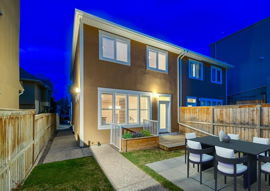 Main Photo: 2 2423 29 Street SW in Calgary: Killarney/Glengarry Row/Townhouse for sale : MLS®# A1098921