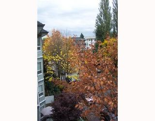 Photo 3: 408 2439 WILSON Avenue in Port_Coquitlam: Central Pt Coquitlam Condo for sale (Port Coquitlam)  : MLS®# V675180