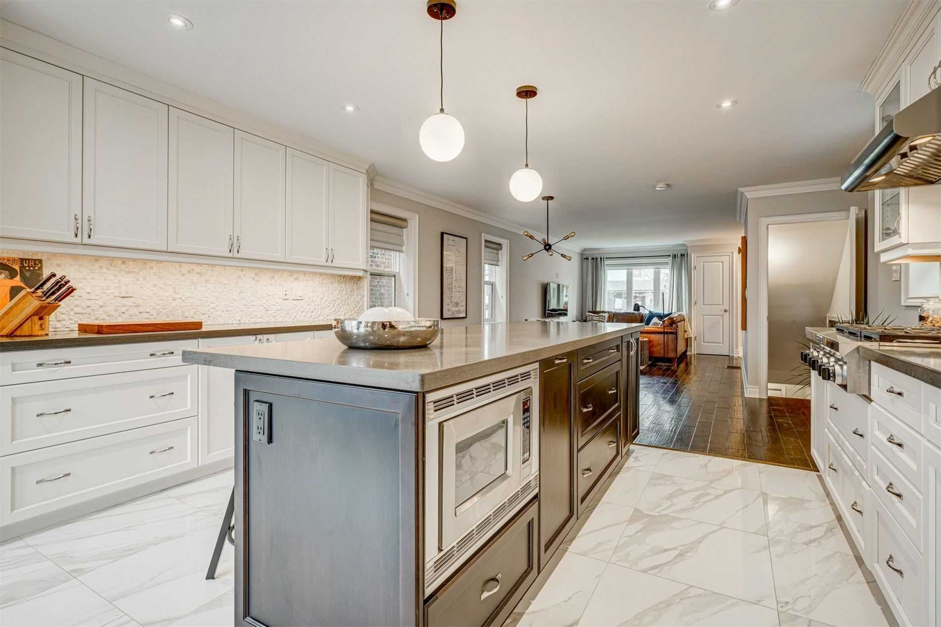 Photo 13: Photos: 92 Holborne Avenue in Toronto: Danforth Village-East York House (2-Storey) for sale (Toronto E03)  : MLS®# E5204452