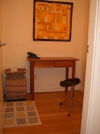 Photo 6: GORGEOUS suite in L'Aria!