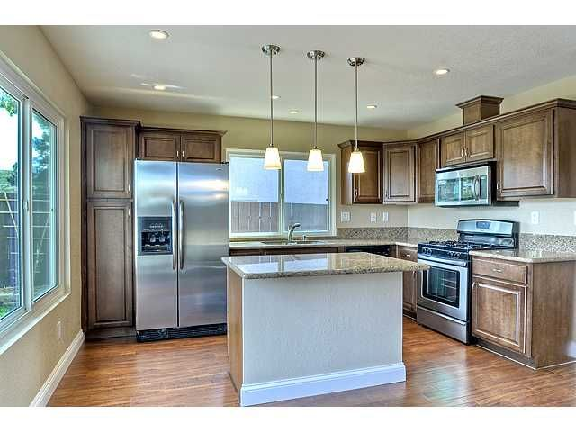 Photo 8: Photos: MIRA MESA House for sale : 3 bedrooms : 9076 Kirby Court in San Diego