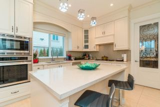 """Photo 7: 4146 GILPIN Crescent in Burnaby: Garden Village House for sale in """"GARDEN VILLAGE"""" (Burnaby South)  : MLS®# R2424746"""