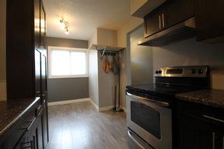 Photo 5: 110 CENTENNIAL Court in Edmonton: Zone 21 Townhouse for sale : MLS®# E4243624