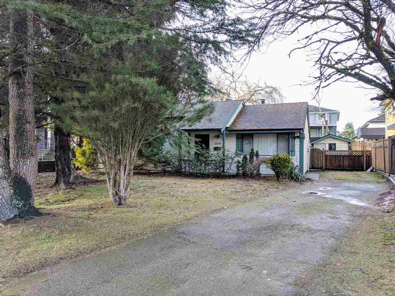 FEATURED LISTING: 6899 CLEVEDON Drive Surrey