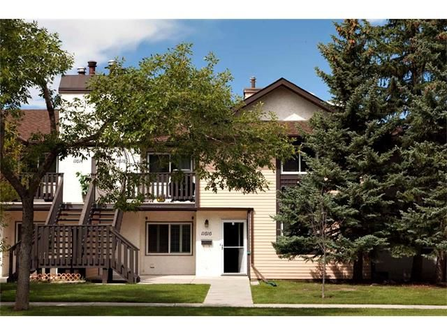 Main Photo: 11616 OAKFIELD Drive SW in Calgary: Cedarbrae House for sale : MLS®# C4076543