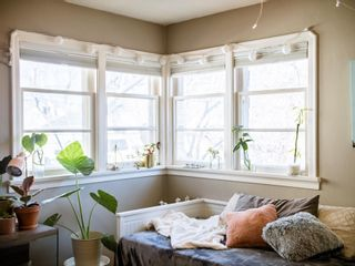 Photo 2: 9207 91 Street in Edmonton: Zone 18 House for sale : MLS®# E4253209