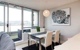 """Photo 5: 522 2008 PINE Street in Vancouver: False Creek Condo for sale in """"MANTRA"""" (Vancouver West)  : MLS®# R2348599"""