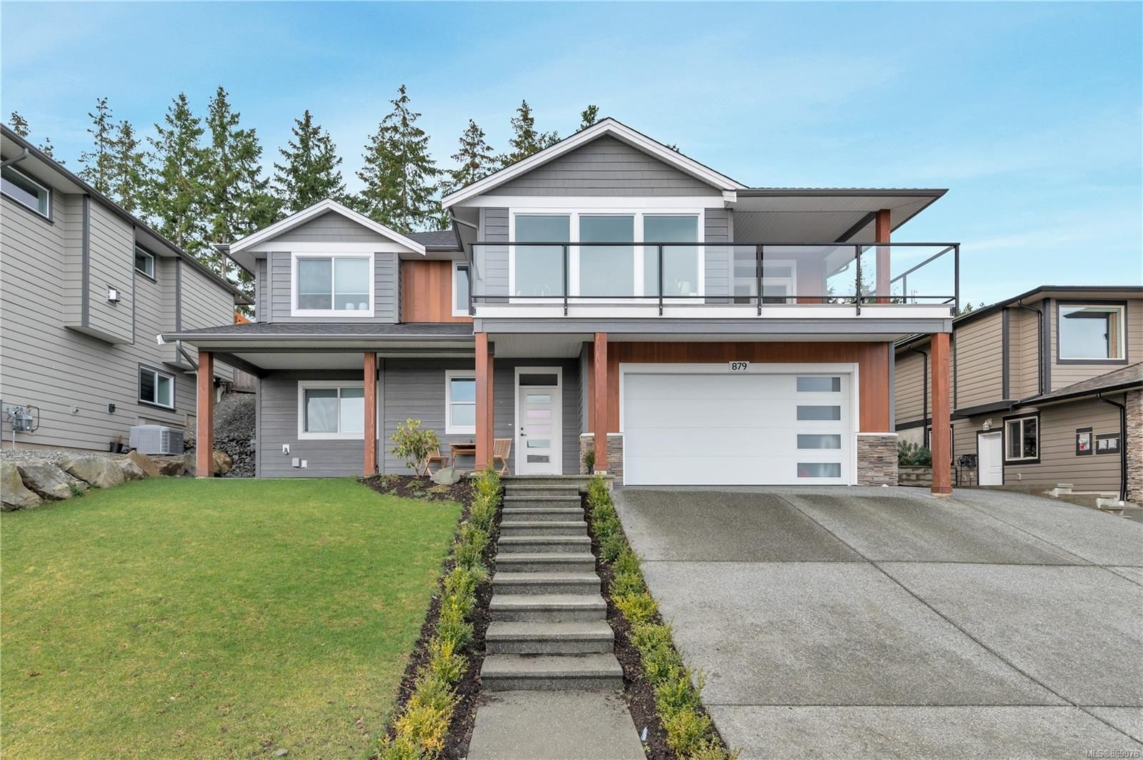 Main Photo: 879 Timberline Dr in : CR Campbell River Central House for sale (Campbell River)  : MLS®# 869078