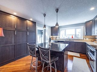 Photo 7: 327 Wascana Road SE in Calgary: Willow Park Detached for sale : MLS®# A1085818