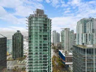 """Photo 12: 2102 1331 ALBERNI Street in Vancouver: West End VW Condo for sale in """"The Lions"""" (Vancouver West)  : MLS®# R2517604"""