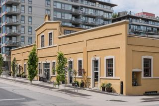 """Photo 15: 208 55 E 10TH Avenue in Vancouver: Mount Pleasant VE Condo for sale in """"Abbey Lane"""" (Vancouver East)  : MLS®# R2169638"""