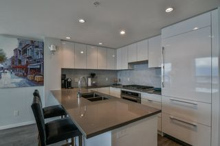 """Photo 10: 3901 5883 BARKER Avenue in Burnaby: Metrotown Condo for sale in """"ALDYANNE ON THE PARK"""" (Burnaby South)  : MLS®# R2348636"""