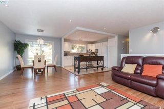Photo 4: 627 Vanalman Ave in VICTORIA: SW Northridge House for sale (Saanich West)  : MLS®# 773325