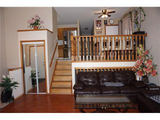 Photo 1: 260 ERIN MEADOW Close SE in Calgary: Erin Woods House for sale : MLS®# C4095343