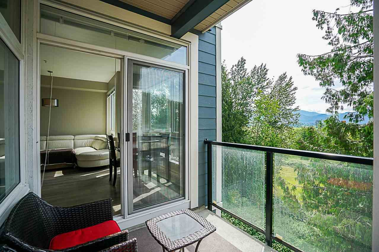 """Photo 12: Photos: 301 2238 WHATCOM Road in Abbotsford: Abbotsford East Condo for sale in """"Waterleaf"""" : MLS®# R2276818"""