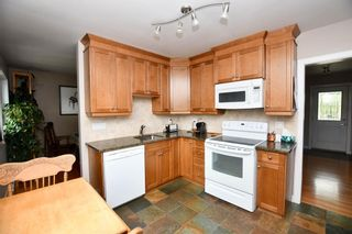 Photo 13: 20 Brantford Crescent NW in Calgary: Brentwood Detached for sale : MLS®# A1135023