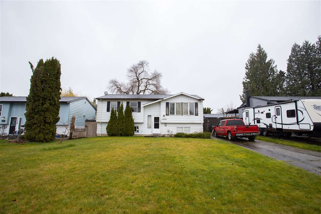 Main Photo: 26690 32A Avenue in Langley: Aldergrove Langley House for sale : MLS®# R2556285