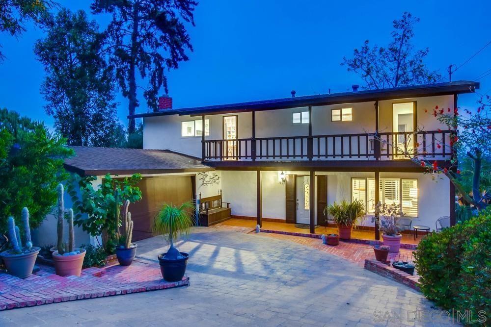 Main Photo: LA JOLLA House for sale : 4 bedrooms : 5897 Desert View Dr