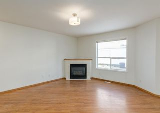 Photo 4: 44 Mt Aberdeen Manor SE in Calgary: McKenzie Lake Row/Townhouse for sale : MLS®# A1078644