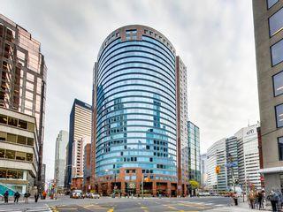 Photo 10: 1210 33 University Avenue in Toronto: Bay Street Corridor Condo for sale (Toronto C01)  : MLS®# C3079433