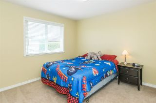 Photo 11: 6624 187A Street in Surrey: Cloverdale BC House for sale (Cloverdale)  : MLS®# R2287987