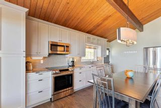Photo 10: 132 Shore Lane: Wasaga Beach House (Bungalow) for sale : MLS®# S5259310